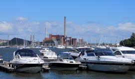 Yacht i porten av Helsingfors Royaltyfri Bild