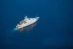 Yacht im adriatischen Meer Lizenzfreies Stockfoto