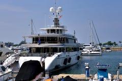 Yacht im Hafen, Hong Kong Gold Coast Lizenzfreie Stockfotografie