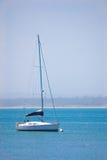 Yacht im Meer Lizenzfreies Stockbild
