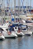 Yacht lussuosi al porto Fotografie Stock Libere da Diritti