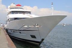 Yacht méga Photographie stock