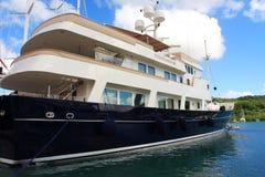 Yacht méga des Caraïbes Photographie stock libre de droits