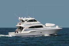 Yacht in Meer lizenzfreies stockbild