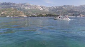 Yacht mit Touristen, Montenegro Stockfotografie