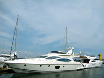 yacht moderne photos stock
