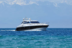 Yacht moderne Photo libre de droits