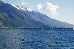 Yacht nel lago garda, Italia Fotografia Stock