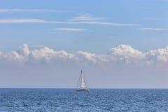 Yacht nel mare Fotografia Stock