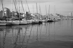 Yacht nel porto Immagini Stock Libere da Diritti