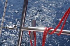 YACHT NELL'OCEANO immagine stock