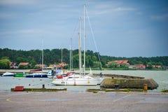 Yacht in Nida Harbour immagine stock libera da diritti