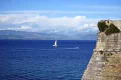 Yacht och f?stning fotografering för bildbyråer