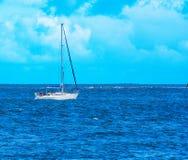 Yacht på motormakt Royaltyfri Bild