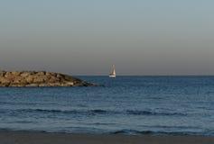 Yacht pendant le matin à Herzliya Photo stock