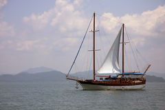 Yacht Phang Nga im Schacht Stockbilder
