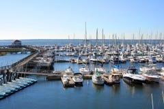 Yacht in porticciolo Immagini Stock Libere da Diritti