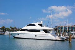 Yacht in porto Fotografia Stock