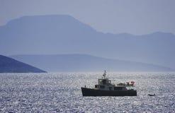 Yacht privato del motore al mare aperto Immagine Stock Libera da Diritti