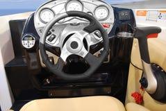 Yacht a roda de direcção imagem de stock royalty free