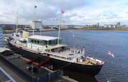 Yacht royal Britannia sur le terminal Edimbourg d'océan images libres de droits