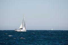 Yacht sailing on the sea Royalty Free Stock Photos