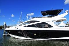 Yacht. Schongebiet-Bucht-internationale Bootsshow 2013 Lizenzfreie Stockfotos