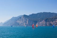 Yacht sull'acqua Fotografia Stock Libera da Diritti