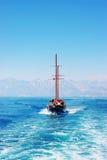 Yacht sur la mer Images stock