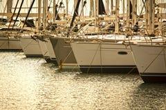 Yacht in un porticciolo Immagine Stock