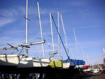 Yacht in una riga Immagine Stock