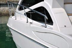 Yachtanschlag am Dock Stockfoto