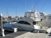 Yachten angekoppelt an einem Pier Stockbild
