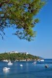 Yachten in der Bucht von Insel, Heybeliada, die Türkei Stockfoto