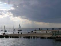 Yachten im Golf von Finnland Lizenzfreie Stockbilder