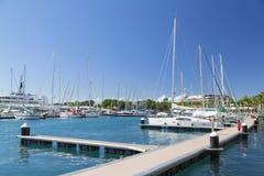 Yachten im Hafen, Pape'ete, Tahiti, Französisch-Polynesien Stockbilder