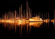 Yachten im Sandy-Schacht Stockbilder