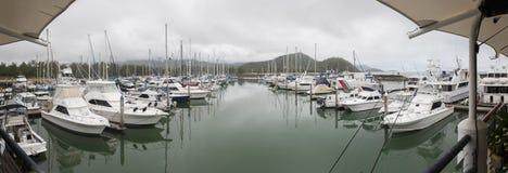 Yachten am Liegeplatz - Riff-Jachthafen Lizenzfreies Stockbild