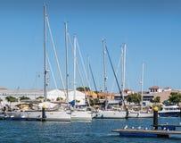 Yachten machten in Ayamonte-Jachthafen, Andalusien, Spanien fest Stockbilder
