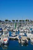 Yachten machten im Jachthafenhafen von Hondarribia, Baskenland, Spanien fest Stockfotos