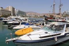 Yachten und Boote im Jachthafen von Elat Lizenzfreies Stockbild