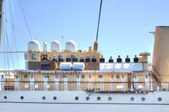 Yachten väntar på drottningen av Danmark Arkivfoton