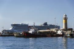 yachter för passagerare för fartygkryssningfärja stora lyxiga Arkivfoton