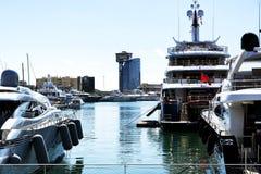 Yachter i porten av Barcelona i 20 September 2017, Spanien Arkivbild