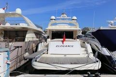Yachter som ankras i port Pierre Canto i Cannes Arkivfoton