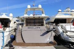 Yachter som ankras i port Pierre Canto i Cannes Arkivbild