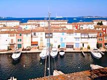 Yachthamn i port Grimaud, Frankrike Royaltyfri Bild