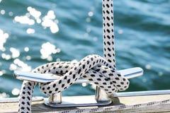 yachting яхты ворота парусника веревочки детали стоковые фотографии rf