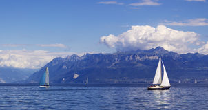 yachting nel lago geneva fotografie stock
