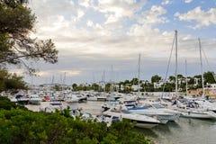 Yachtkanal Lizenzfreies Stockfoto